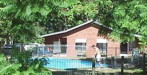 Glass House Mountains Holiday Village - Accommodation Daintree