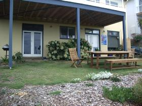 Victor Apartments - Cheri-On-Sea Apartment - Accommodation Daintree