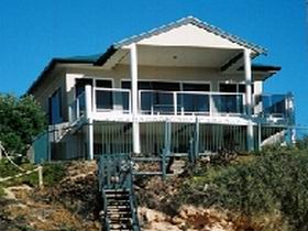 Top Deck Cliff House - Accommodation Daintree