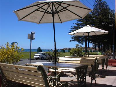 Anchorage at Victor Harbor Seafront Hotel - Accommodation Daintree