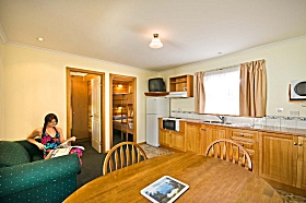 Leisureville Caravan Park - Accommodation Daintree