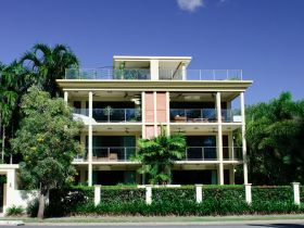 Cairns Beachfront Apartment - Accommodation Daintree