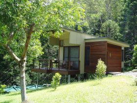 Montville Ocean View Cottages - Accommodation Daintree
