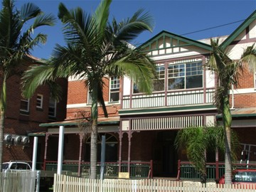 Maclean Hotel - Accommodation Daintree