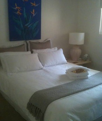 Absolute Beachfront Manly Bed and Breakfast - Accommodation Daintree