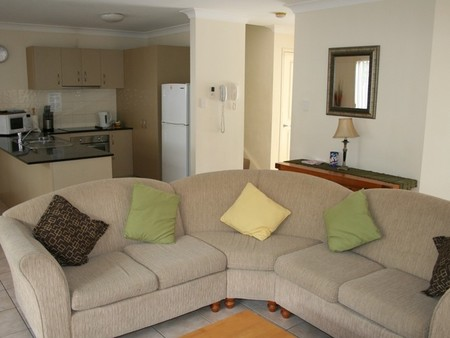 Pacific Sun Gold Coast Holiday Townhouse - Accommodation Daintree