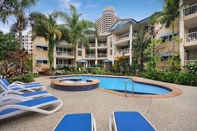 Surfers Beach Holiday Apartments - Accommodation Daintree