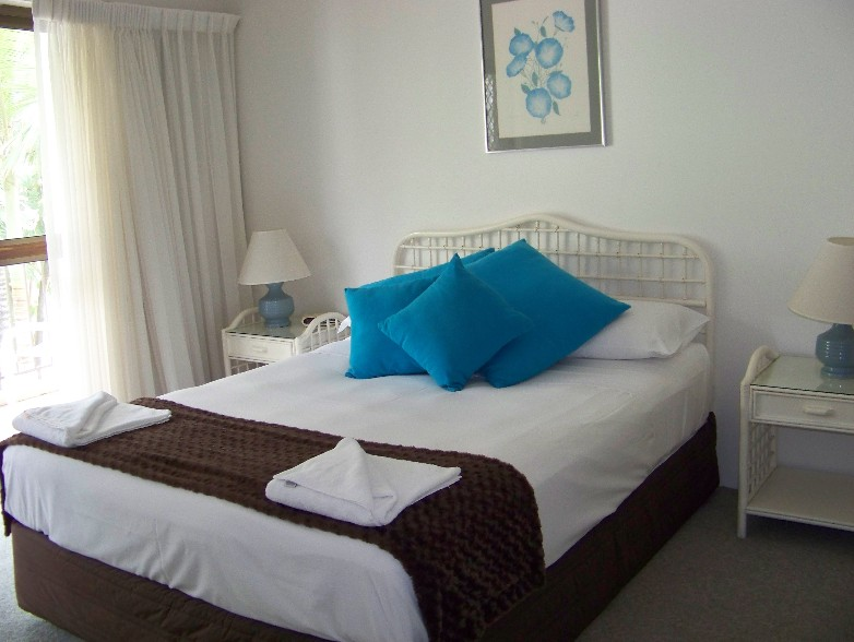 Old Burleigh Court Holiday Apartments - Accommodation Daintree