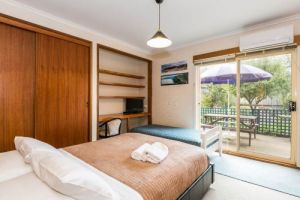 Beachside Accommodation Torquay - Accommodation Daintree