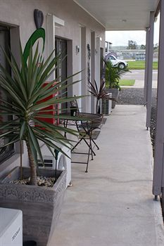 Riverside Motel - Accommodation Daintree