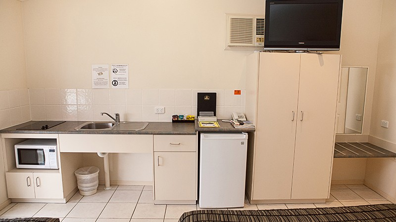 BEST WESTERN Caboolture Central Motor Inn - Accommodation Daintree