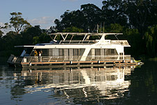 Whitewater Houseboat - Accommodation Daintree