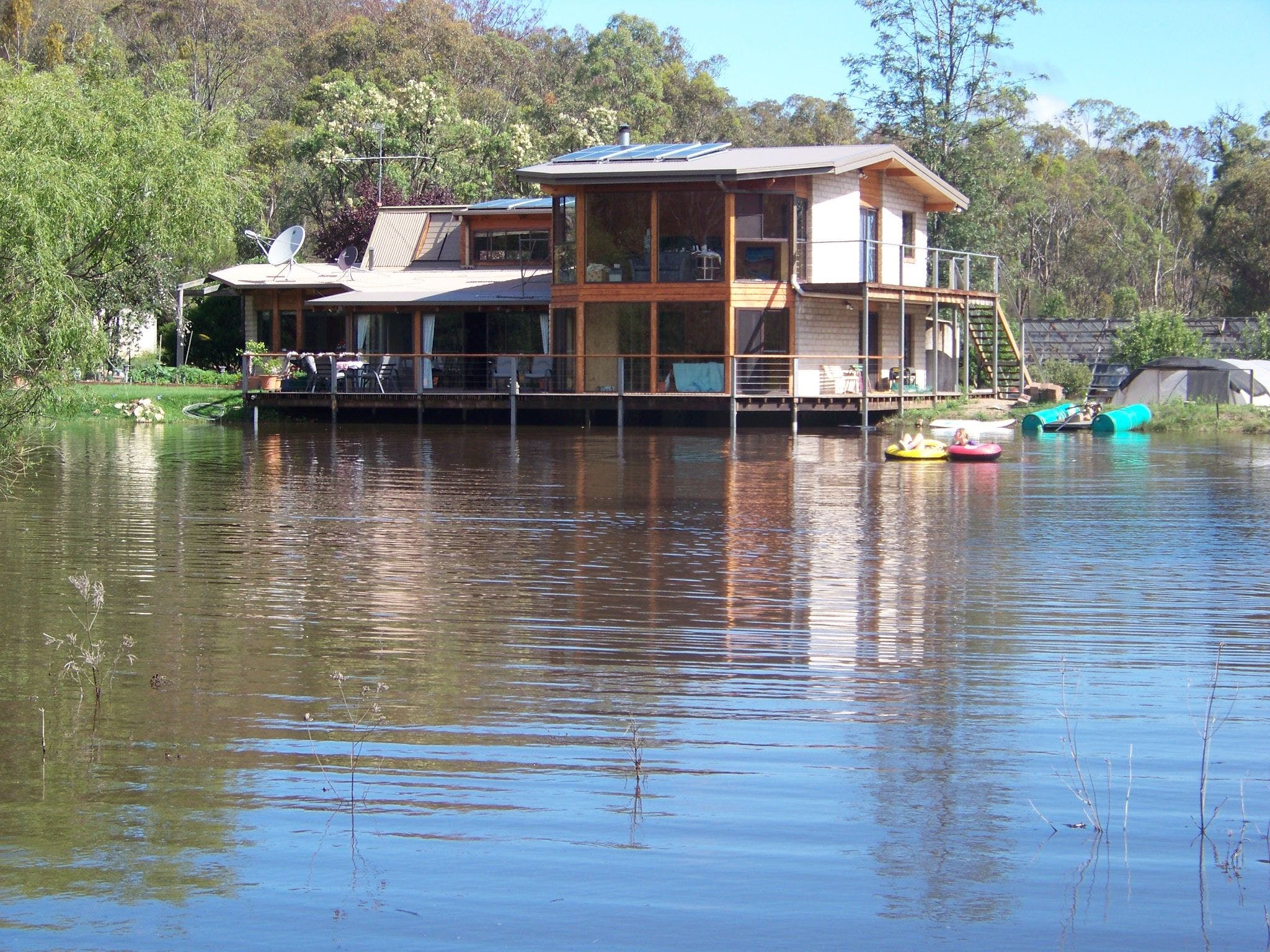 Lakeside Lodge - Accommodation Daintree