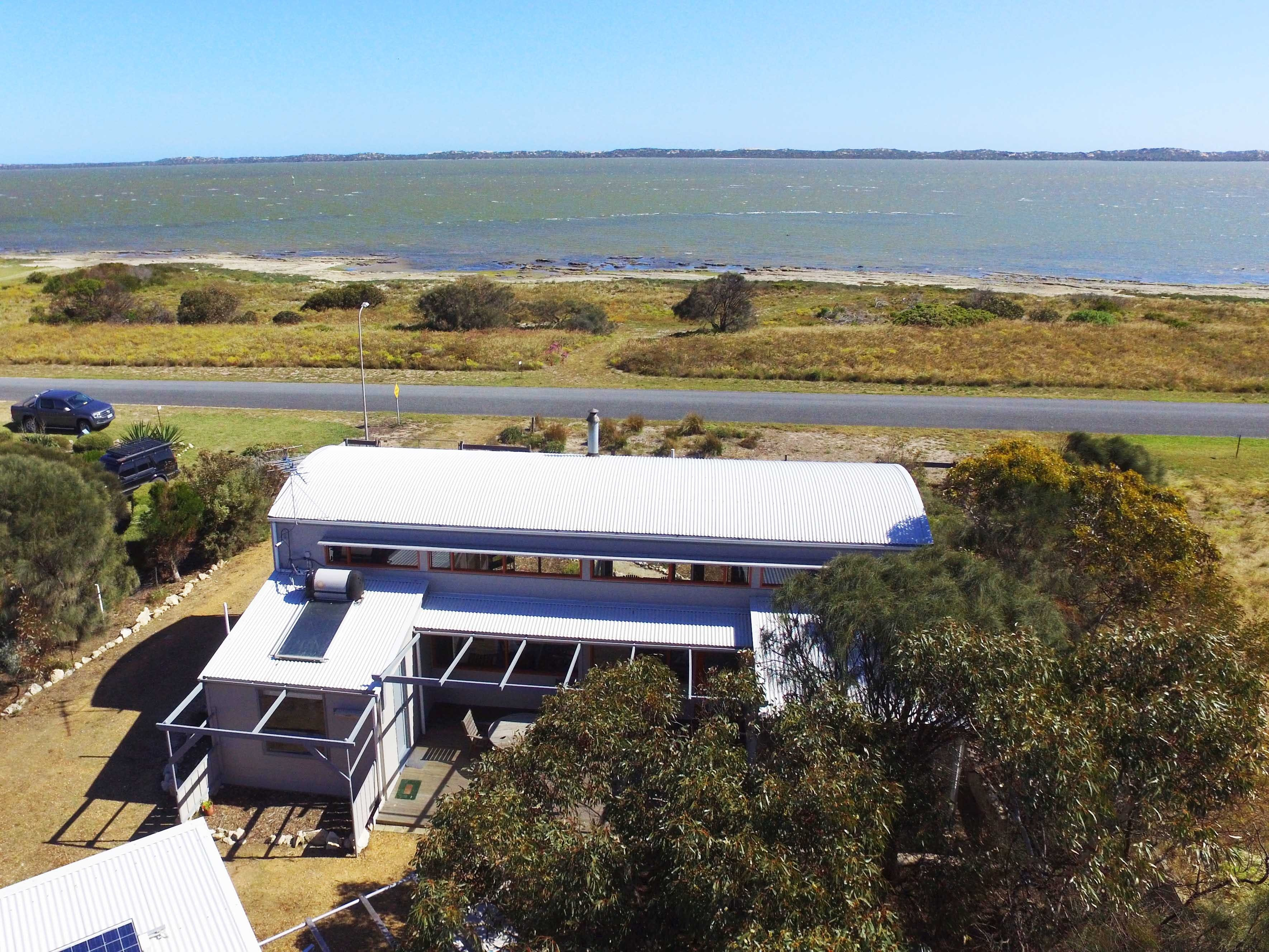 Coorong Aurora - Breathtaking Waterfront Escape - Accommodation Daintree