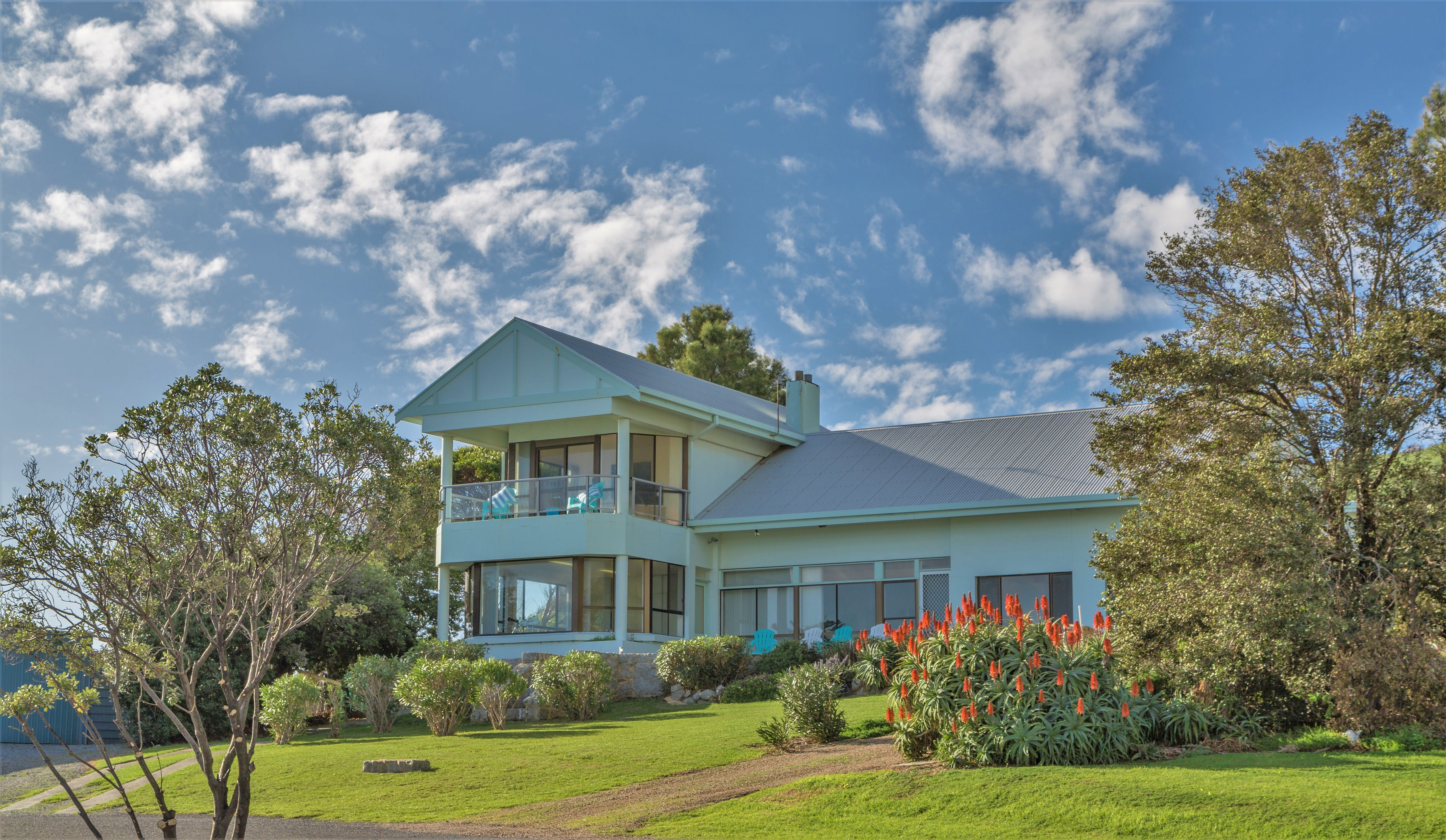 King of North Bay - Accommodation Daintree