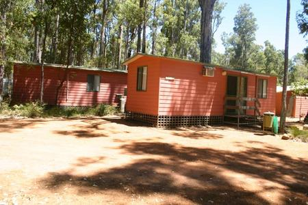 Dwellingup Chalets And Caravan Park - Accommodation Daintree