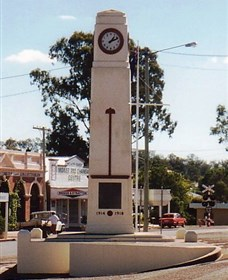 Goomeri War Memorial Clock - Accommodation Daintree