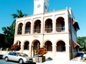 Mackay Town Hall - Accommodation Daintree