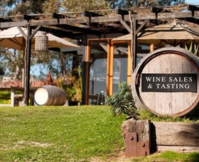 Saint Regis Winery Food  Wine Bar - Accommodation Daintree
