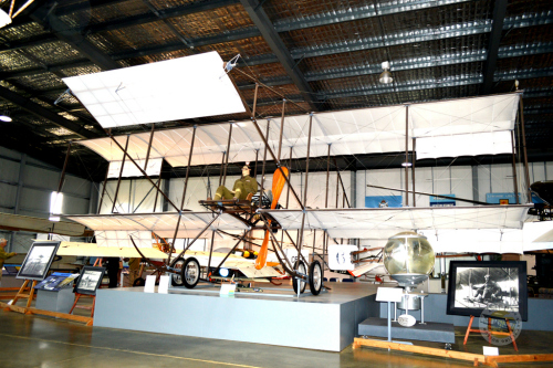 Australian Army Flying Museum - Accommodation Daintree
