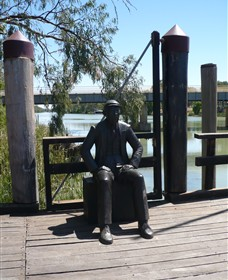 Captain John Egge Statue - Accommodation Daintree
