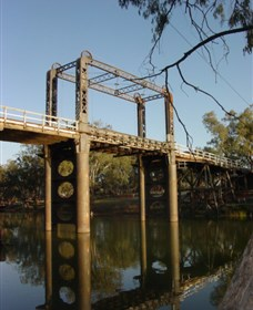 The Historic Barwon Bridge - Accommodation Daintree
