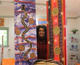 Apma Creations Aboriginal Art Gallery and Gift shop - Accommodation Daintree