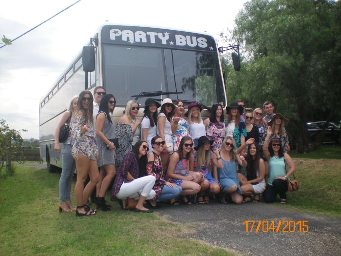 R  R Bus and Leisure Hire - Accommodation Daintree