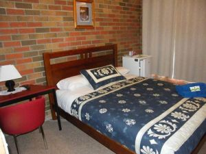 Boomers Guest House Hamilton - Accommodation Daintree