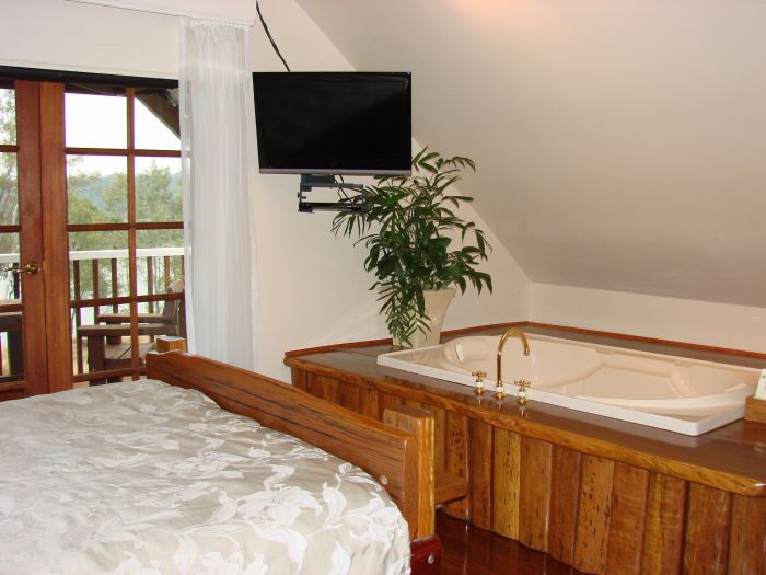 Clarence River Bed and Breakfast - Accommodation Daintree