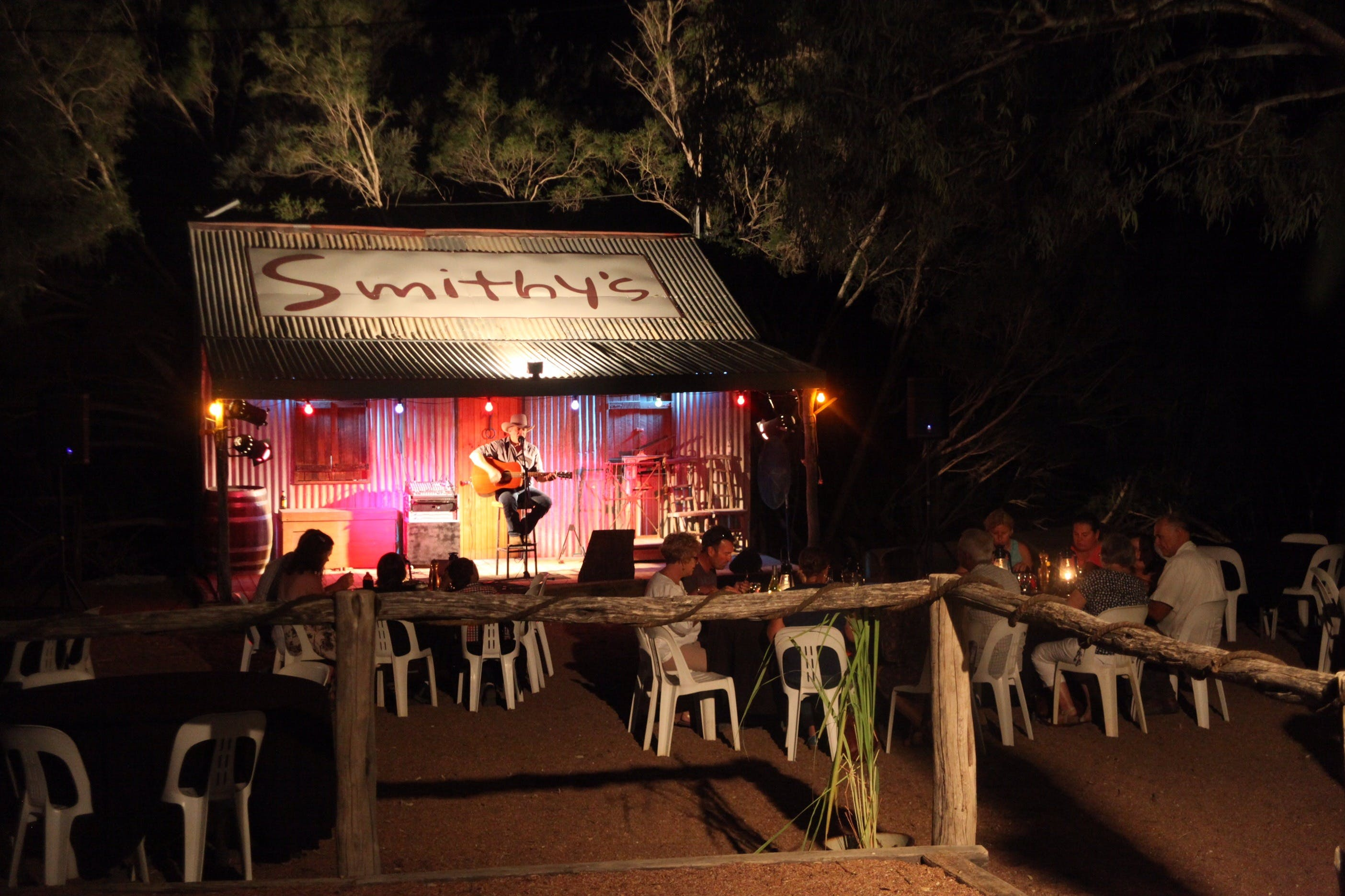 Smithy's Outback Dinner and Show - Accommodation Daintree