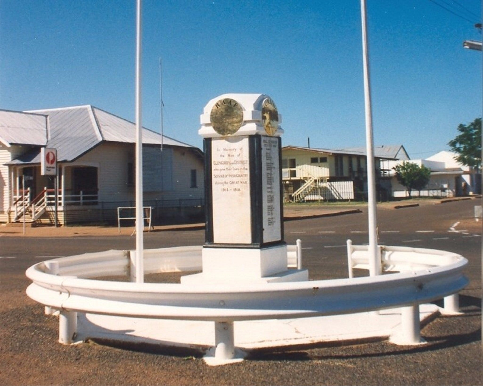 Cloncurry War Memorial - Accommodation Daintree
