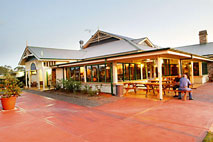 Potters Hotel and Brewery - Accommodation Daintree