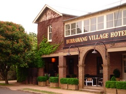 Burrawang Village Hotel - Accommodation Daintree