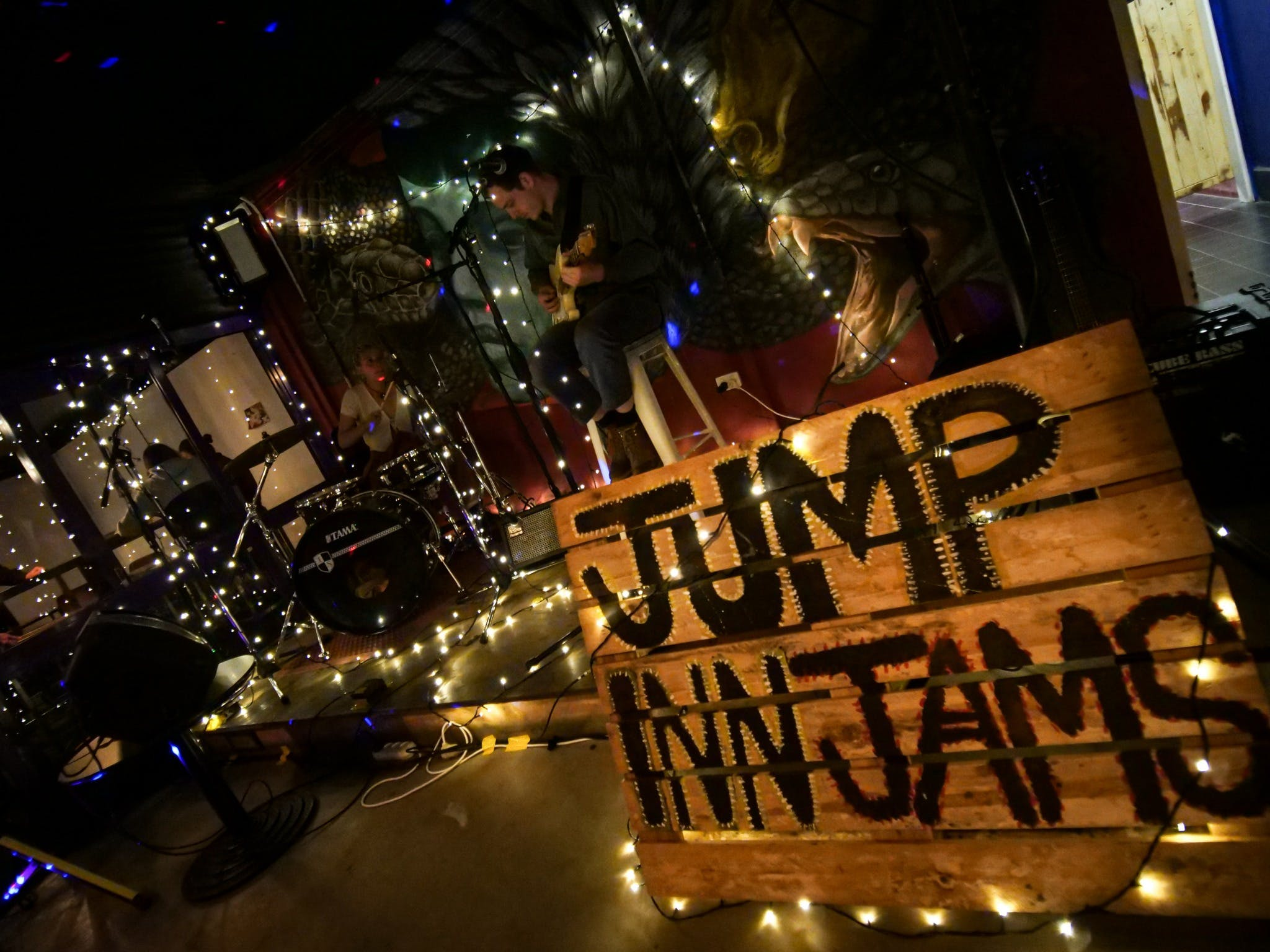 Jump Inn Jam Sessions - Accommodation Daintree