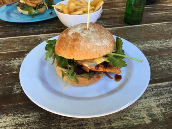 Island Burger Bar - Accommodation Daintree