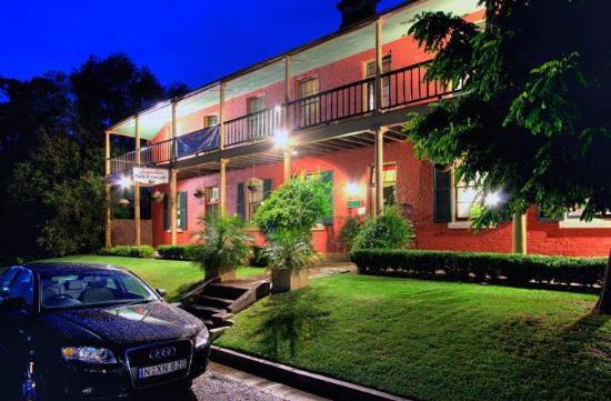 The Old Victoria - Accommodation Daintree