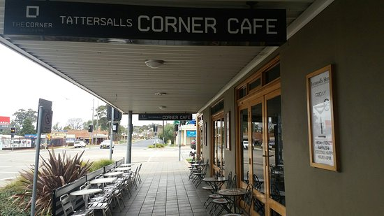 The Corner Cafe -Tatts Pub - Accommodation Daintree