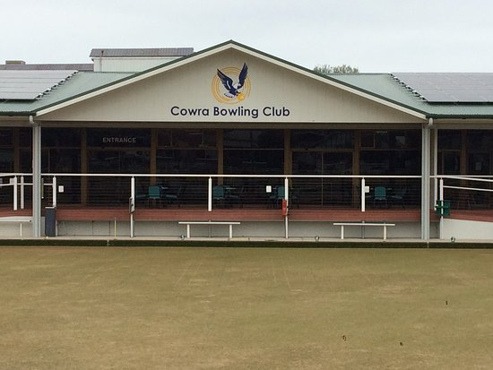 Cowra Bowling and Recreation Club Limited - Accommodation Daintree