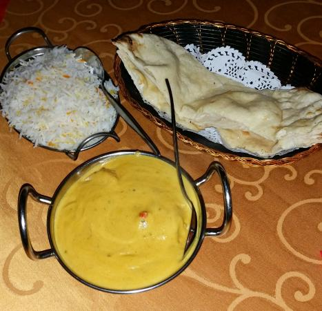 Bollywood Indian Restaurant - Accommodation Daintree