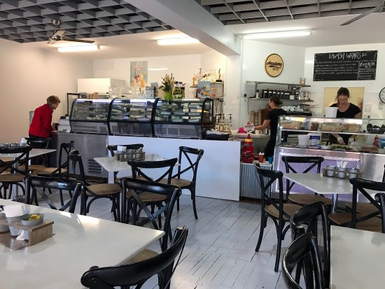 EClairs Coffe Shop - Accommodation Daintree