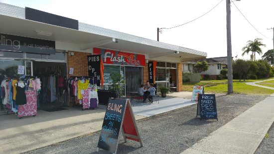 Flash Pies - Accommodation Daintree