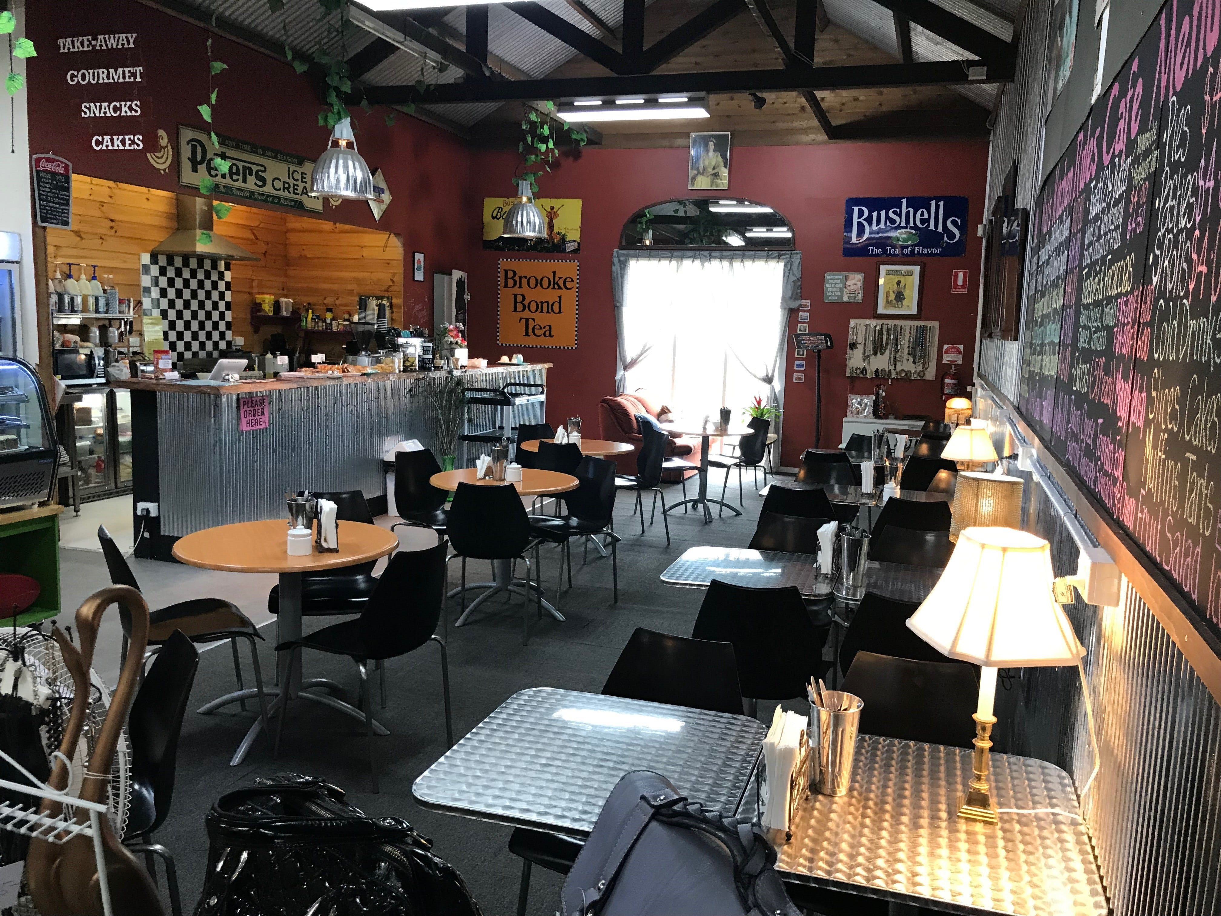 Mai's Kitchen Rules Cafe - Accommodation Daintree