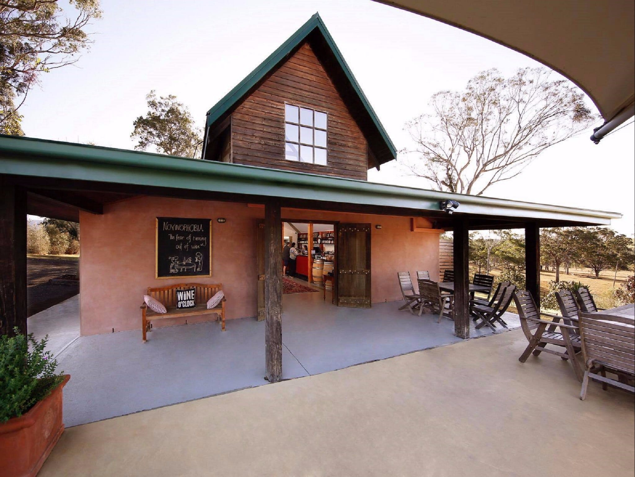 Petersons Wines on Broke Road - Accommodation Daintree