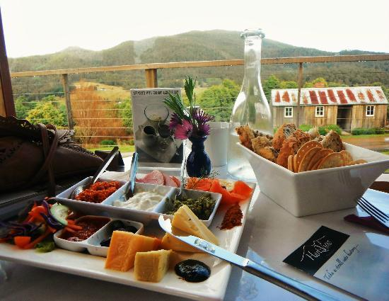 Hartzview Vineyard Cafe - Accommodation Daintree