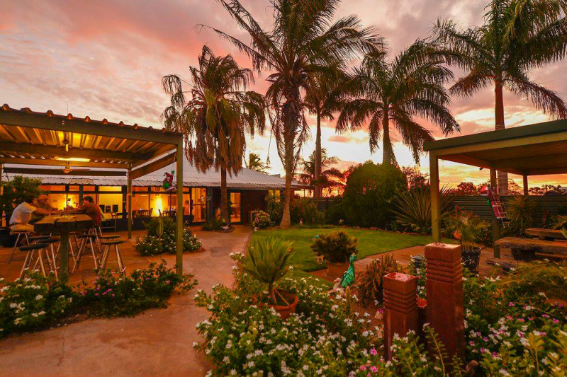 Devils Marbles HotelWauchope - Accommodation Daintree