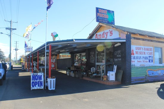 Andy's Bakery and Restaurant - Accommodation Daintree