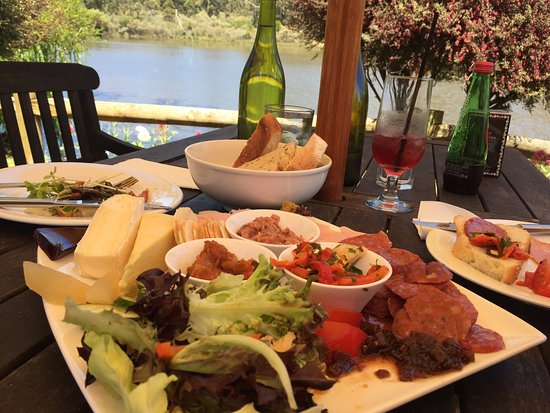 The Lake House Restaurant - Accommodation Daintree