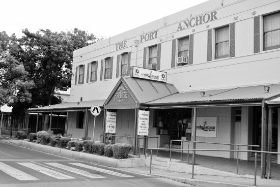 The Port Anchor Hotel - Accommodation Daintree