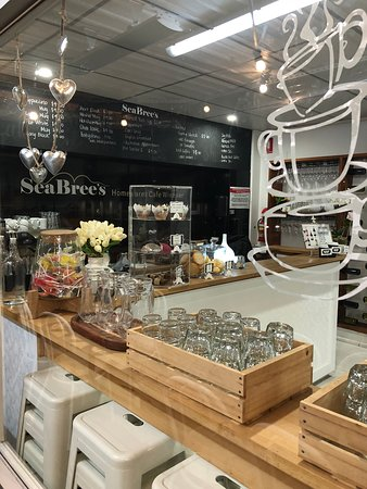 SeaBrees Homewares Cafe  Winebar - Accommodation Daintree